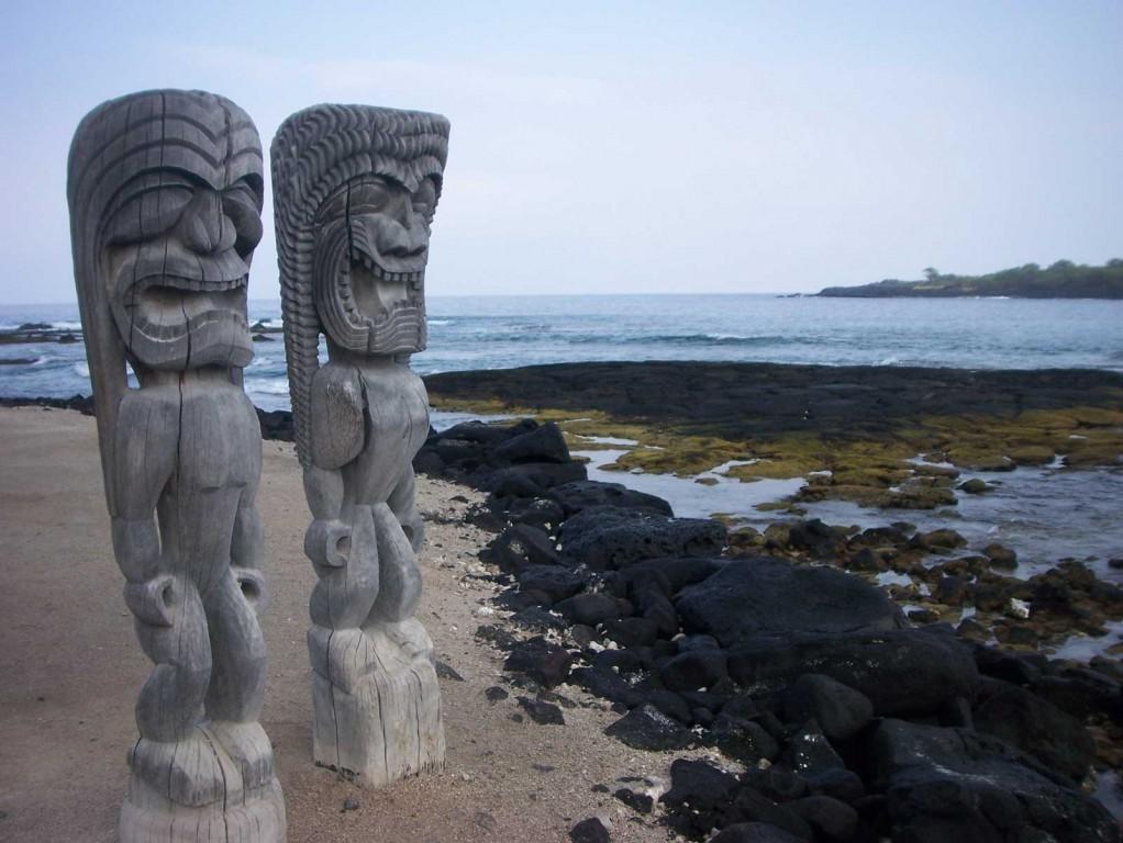 Honaunau Ki'i Statues