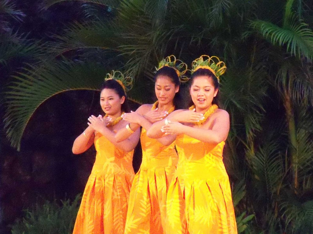Auana Hula Dancers