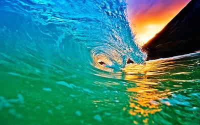 Colorful Hawaii Wave Curl