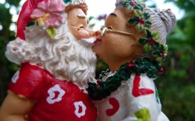 Hawaii Santa And Mrs Claus