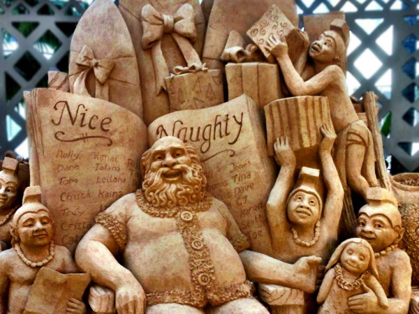 waikiki-christmas-sand-sculpture