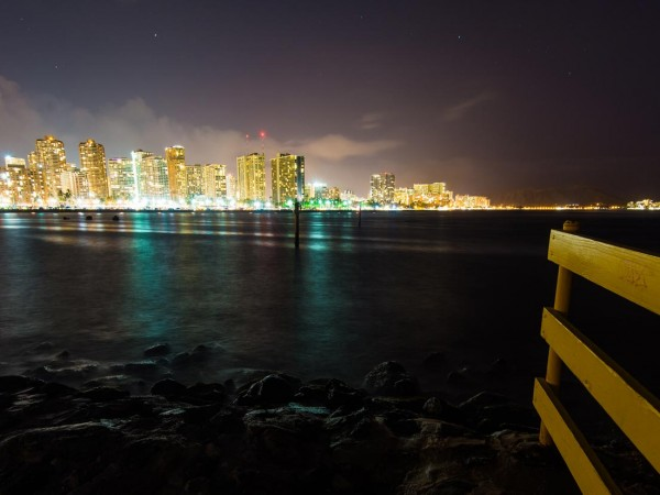 honolulu-at-night