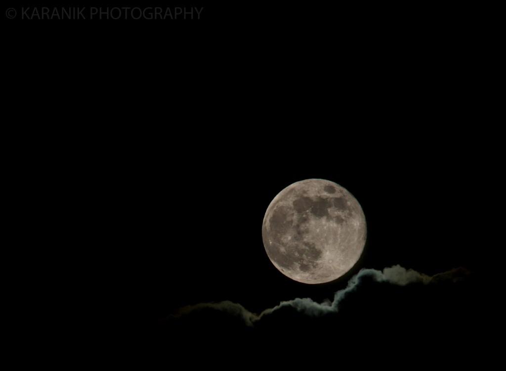 Hawaii Nearly Full Moon (Mahina)